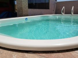 Florianópolis casa Campeche com piscina privativa, hotel near Florianopolis-Hercilio Luz International Airport - FLN,