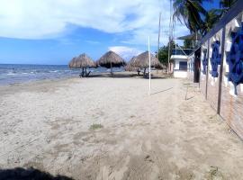 Playa Esmeral, hotell sihtkohas Coveñas