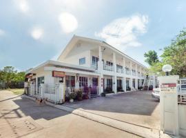 OYO 75335 Chomchol The Resort, hotel in Si Racha