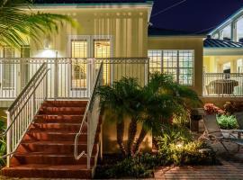 Grand Marina Suite, villa in Key West