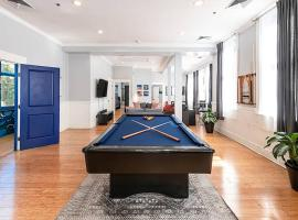 Spacious Condo~Perfect for Bachelor/ette Parties, apartment in Charleston