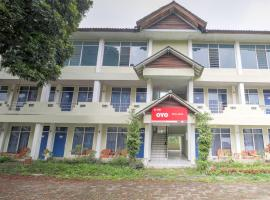 OYO 3250 Setia Hotel, hotel di Cianjur