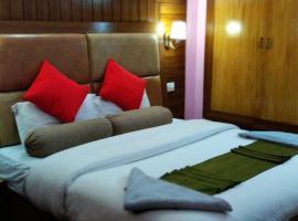 Hotel Snowbird, hotel in Manāli