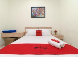 RedDoorz Syariah @ Cinere Depok, hotel in Depok