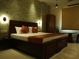 Hotel Sky Star, hotel near Sri Guru Ram Dass Jee International Airport - ATQ, Amritsar