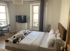 Lovely parisien apartment (opera 3), self catering accommodation in Paris