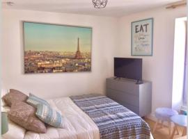 French typical apartment (opéra 5D), apartment in Paris