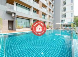 Blooming Hill Boutique Suites, hotel in Pattaya South
