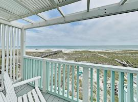 Spacious Townhome on the Beach with Decks townhouse, vacation rental in Pensacola