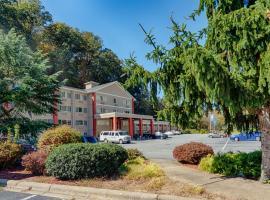 Cherokee Grand Hotel, hotel near Harrah's Casino, Cherokee