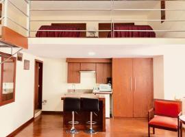 Hotel tarqui & suites, hotel em Cuenca