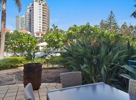Calypso Plaza Resort Unit 141 Studio style apartment - Beachfront Coolangatta, hotel near Southern Cross University Gold Coast Campus, Gold Coast