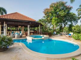 Maison Larimar-Walking Distance to the Marina at Casa de Campo, hotel with jacuzzis in La Romana