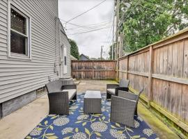 Amazing 3BR Home with WD Patio and Parking, B&B in Indianapolis