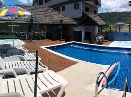 Pousada Kepha, hotel with jacuzzis in Guarujá
