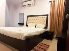 PPH Living S Grand, hotel in Shamshabad