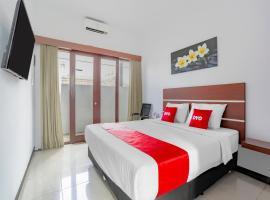 OYO 3852 Valomia Guest House, hotel in Kerobokan