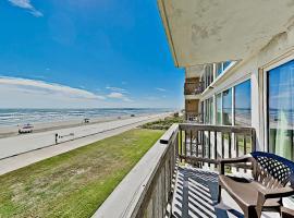 Gulfstream Condos - Pool, BBQ & Beachfront Balcony condo, apartment in Corpus Christi