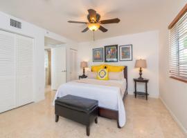 Pool Side Oasis, villa in Miami Beach