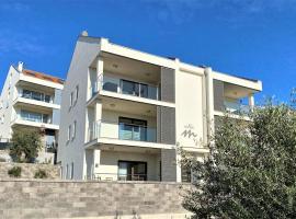 Villa M - Your business & holiday apartment in Sibenik, hotel near Water Park Solaris, Šibenik