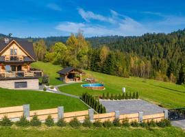 Domek w górach DeLuxe sauna,jacuzzi,basen,hot tub-Nowy Targ blisko Białka ,Zakopane, hotel in Nowy Targ