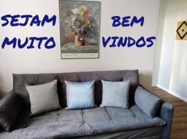 Apartamento Lindo, Ambiente Aconchegante e Completo bem Próximo à Beira-Mar Norte de Florianópolis, apartamento em Florianópolis