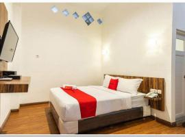 RedDoorz near RS Royal Prima Medan 2, hotel in Medan