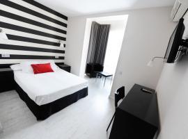Hotel Domus, hotel cerca de Parque Natural de los Montes de Málaga, Málaga
