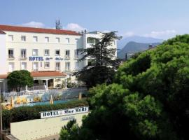 Hotel Madame Mere, hotel in Saint-Florent