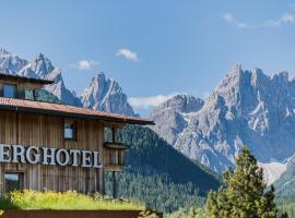 Berghotel - Sexten, hotel in Sesto