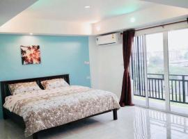 Thong Tat Serviced Apartments, hotel near Wat Hua Hin, Hua Hin
