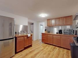 Hip Lower Property in Denver Home, vacation rental in Denver
