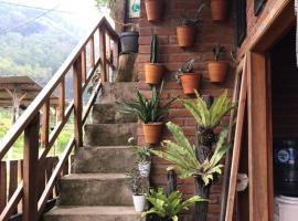 Villa Ekriz Batu, homestay in Batu