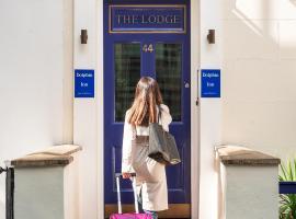 Dolphin Inn - The Lodge, hotel in Paddington, London