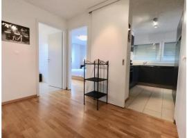 Bright spacious and modern apartment with terrace, hôtel à Lausanne