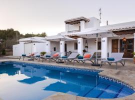 Villa Los Naranjos, hotel en Cala Llonga