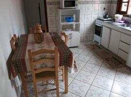 Casa para temporada em Bombinhas, pet-friendly hotel in Itajaí