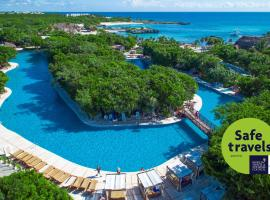 Grand Sirenis Riviera Maya Resort & Spa All Inclusive, resort ở Akumal