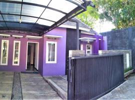 Villa Jauhara 2, hotel in Batu