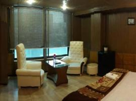 Hotel Baoo Jee Main PWD Road Near Bahria Town ISB, hotel in Rawalpindi