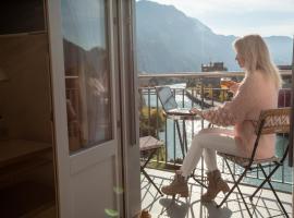 Boutique Hotel Bellevue, hotel in Interlaken