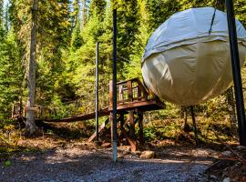 Stanton Creek Treehouse Tent Cocoons, hotel v destinaci Pinnacle