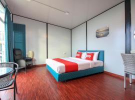 OYO 75371 Happy Mountain Airport Resort, hotel near Blue Canyon Country Club, Nai Yang Beach