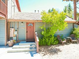 Cottage 2 Grey Fox Cozy and Comfortable, apartment in Big Bear Lake