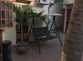 Sumanguru Guest House- GATEWAY TO THE AIRPORT, hotel near Banjul International Airport - BJL,