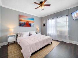 Modern Westshore Apartment, apartment in Tampa