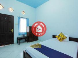 SPOT ON 2288 Kost Mittasukha Family, hotel in Banyuwangi