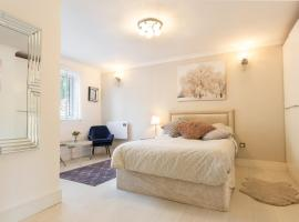Modern apartment close to central London (zone 2), apartamento em Londres
