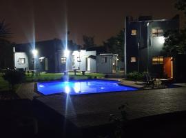Platinum Germiston GHouse, guest house in Germiston