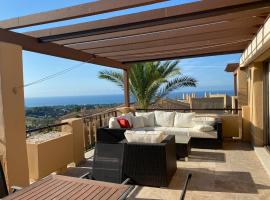 Luxe Penthouse Quartiers Marbella, lägenhet i Estepona